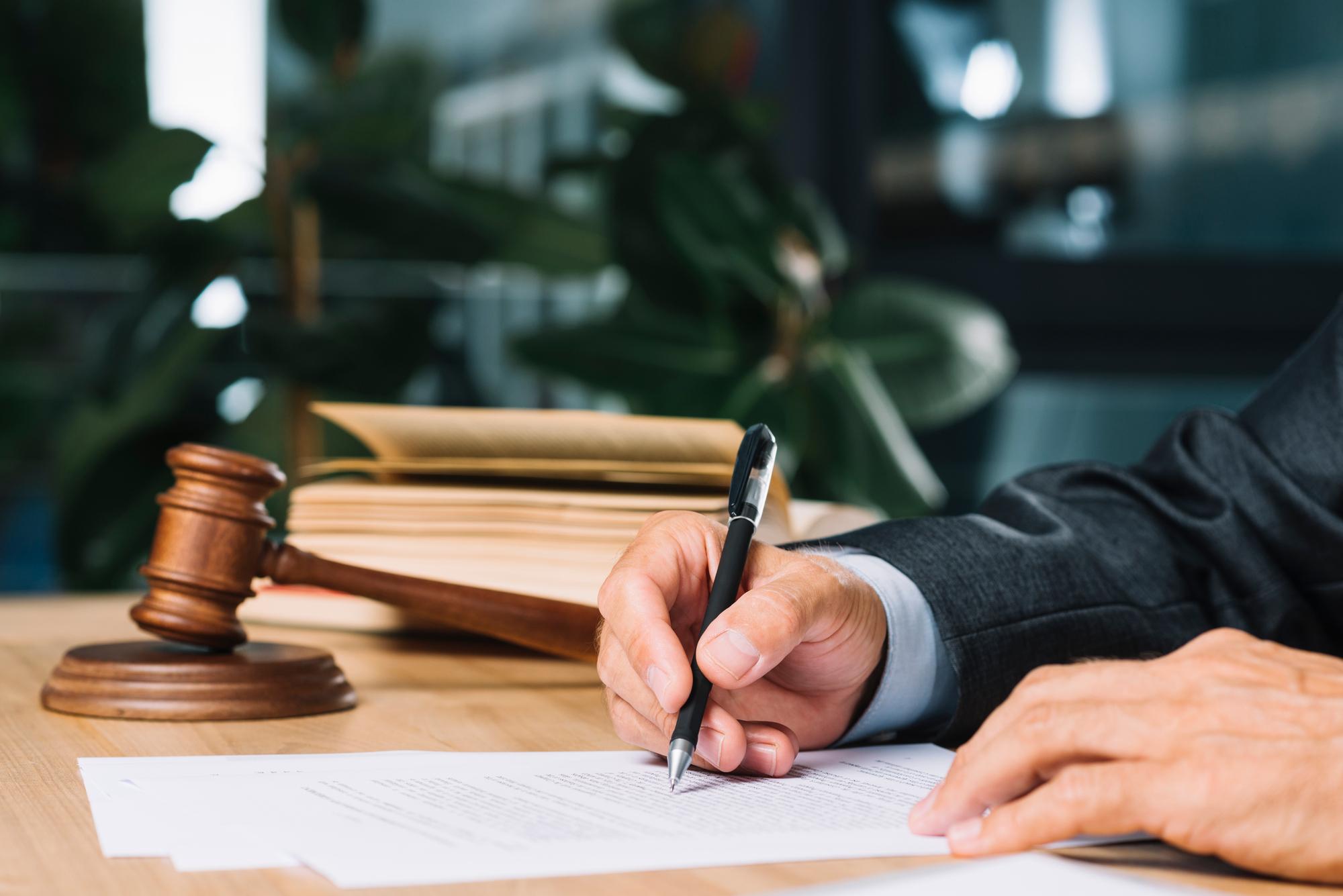 """Tribunale di Bologna ordina il reintegro di una lavoratrice. Era stata licenziata per aver detto """"Anche a me piacerebbe non fare niente"""""""